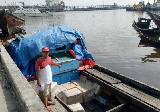 KPPBC Dumai Amankan Kapal Bermuatan Kotak Misteri