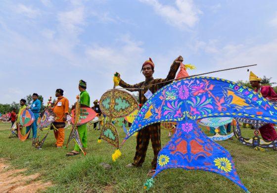 Festival Layang Wau & Gasing Semarak Hut Kota Dumai Ke 19