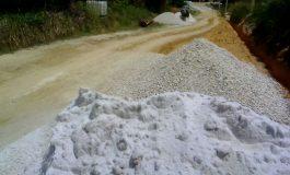 Diduga Menggunakan Pasir Cuci Pengerjan Draenase Pemdes Desa Buluh Apo Tidak Sesuai Standar Proyek