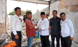 Walikota Dumai Serahkan Bantuan Korban Kebakaran Toko Mas