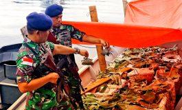 Lanal Dumai Amankan Speed Boat Bermuatan Kepiting Akan Diseludupkan Ke Malaysia