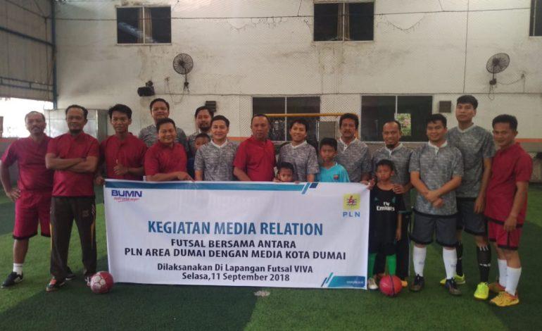 PLN dan PWI Silaturrahmi di Lapangan Futsal