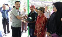 Program Berbagi Sedekah Kapolres Dumai Sentuh 50 Warga Kurang Mampu di Sungai Sembilan
